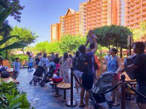 long line of visitors waiting to see Mickey at Makahiki Disney Aulani Review