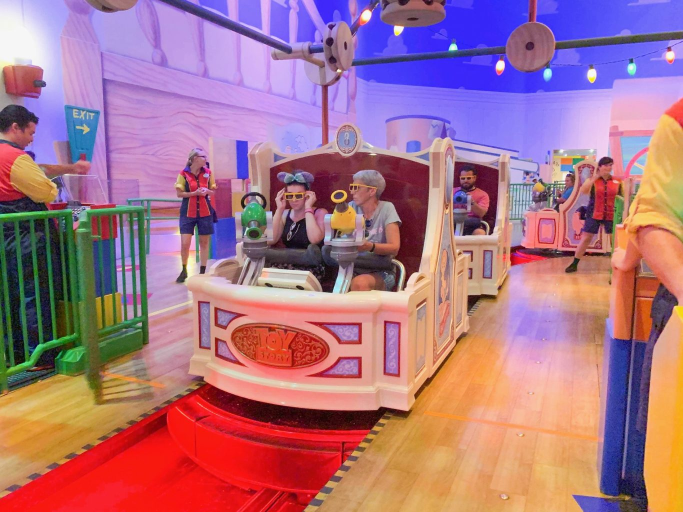 ride vehicle for toy story mania