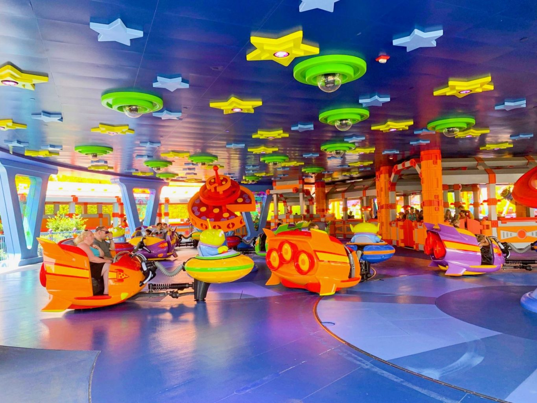 Alien Swirling Saucers ride at Disney
