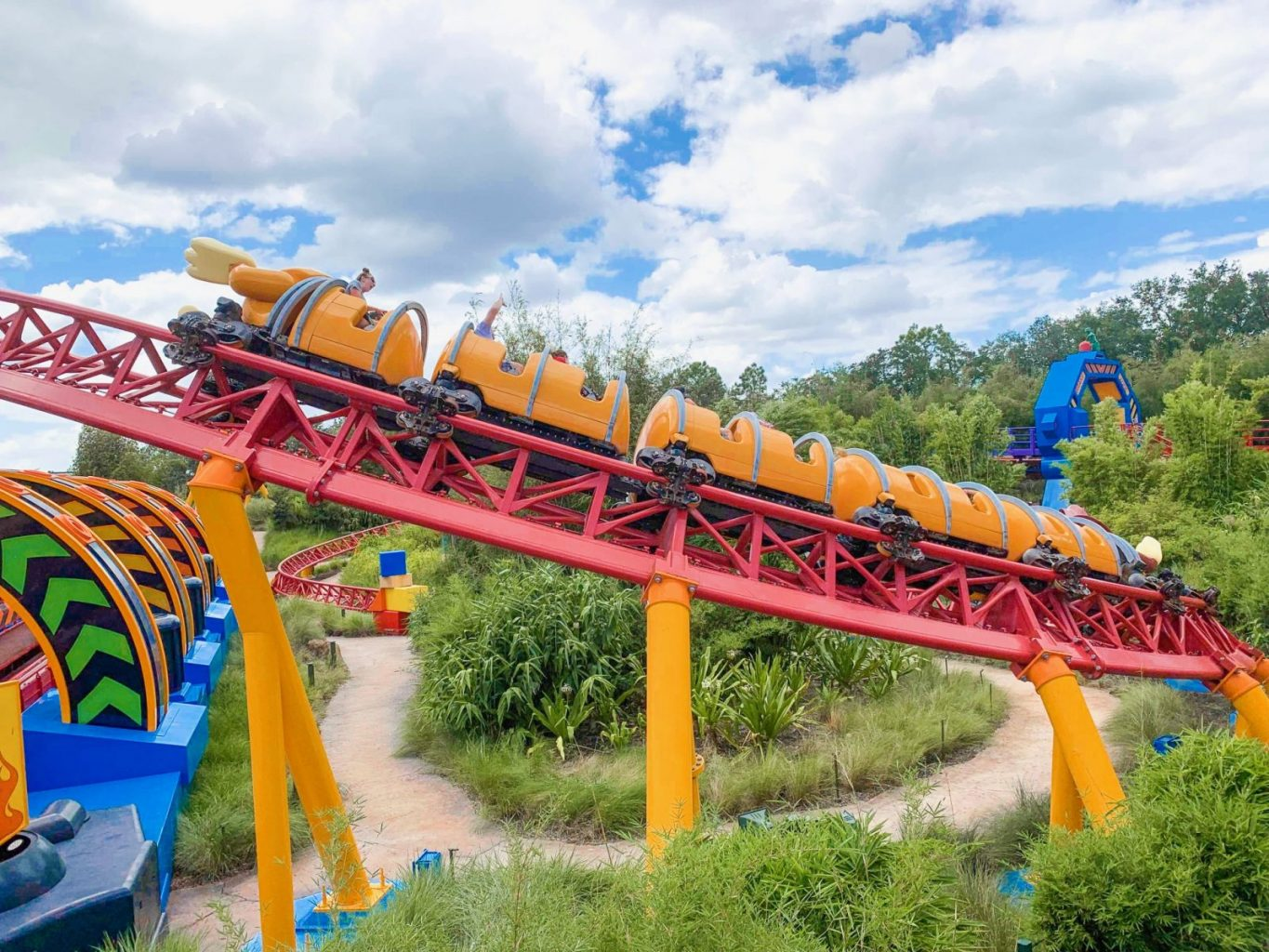 Hollywood Studios Fastpass Slinky Dog Dash Roller Coaster in action