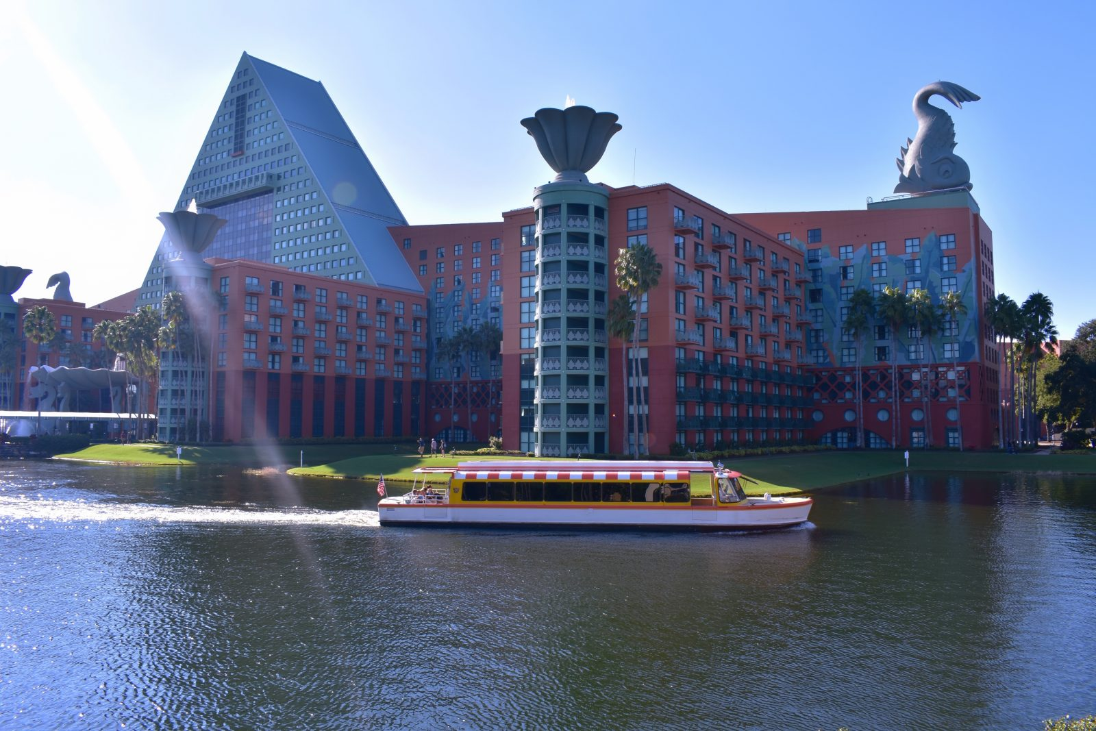 boat ride to all the resorts is one of the more fun and free things to do at Disney World