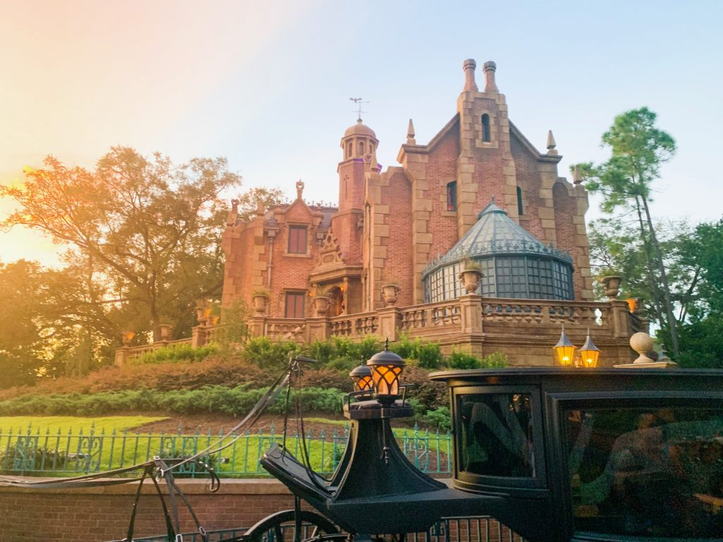 Photo of the Haunted Mansion, one of the best Disney World FastPass selections!