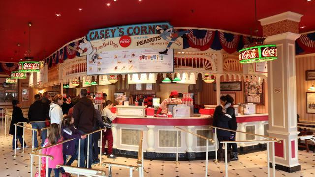 The counter at Casey's Corner in Disneyland Paris