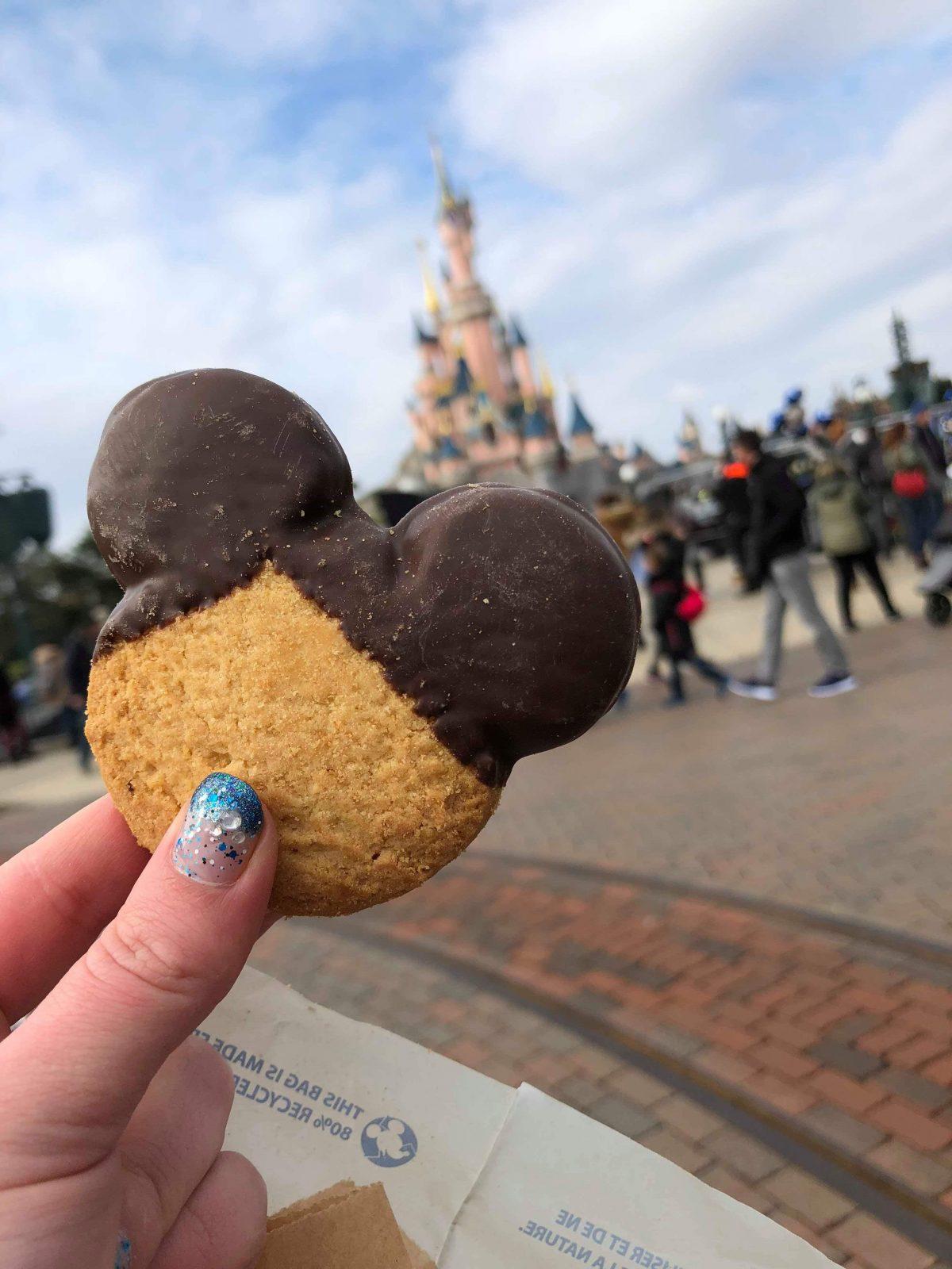 Food in Disneyland Paris, in front of the castle