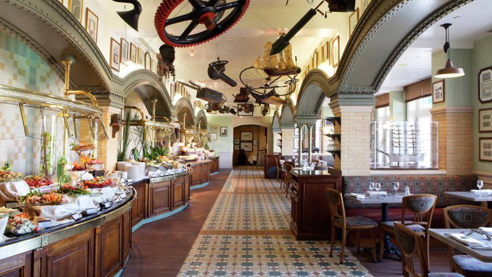 Inventions, one of the best Disneyland Paris restaurants