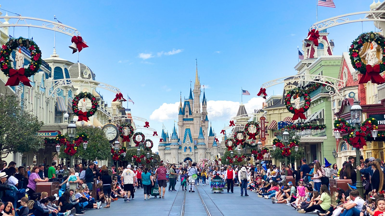 The Ultimate Guide to Mickey's Very Merry Christmas Party (2020